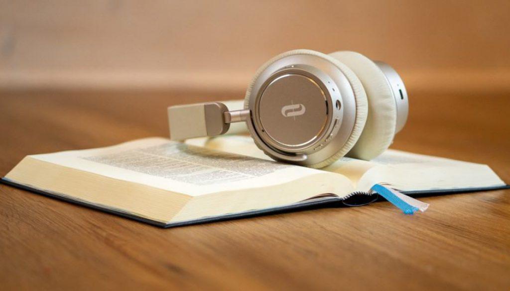 Książki czytane na głos, czyli audiobooki. Nasza księgarnia internetowa ma w ofercie audiobooki.