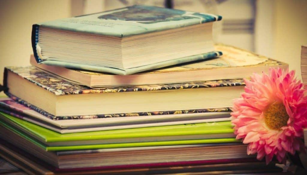Dobór książki do nastroju. Ksiązka na prezent musi być sprawdzona i dopasowana do odbiorcy.