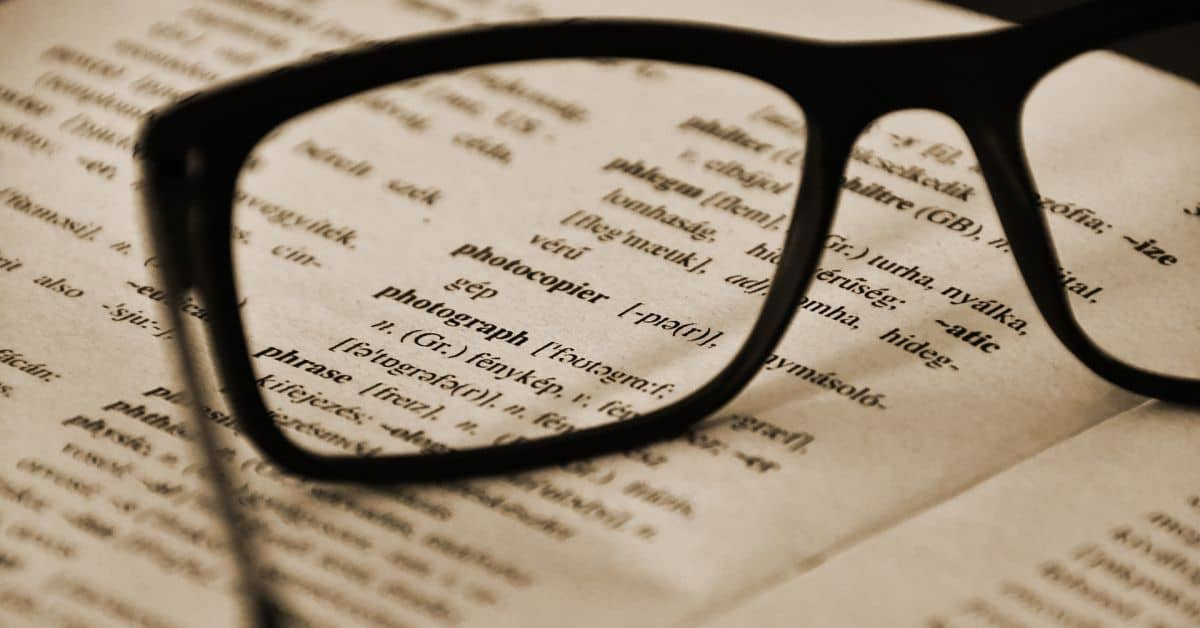 Na co zwrócić uwagę wybierając słownik wyrazów obcych?
