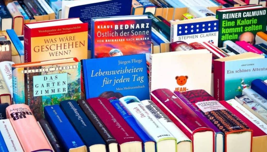 Sposób na tanie książki w Internecie to analiza ofert księgarni internetowych.